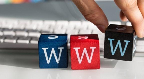PRESENÇA NA WEB: INFLUÊNCIA DIRETA NA DECISÃO DE COMPRA