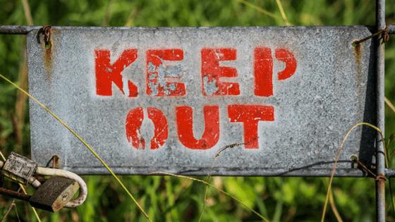matenha-se distante - keep out